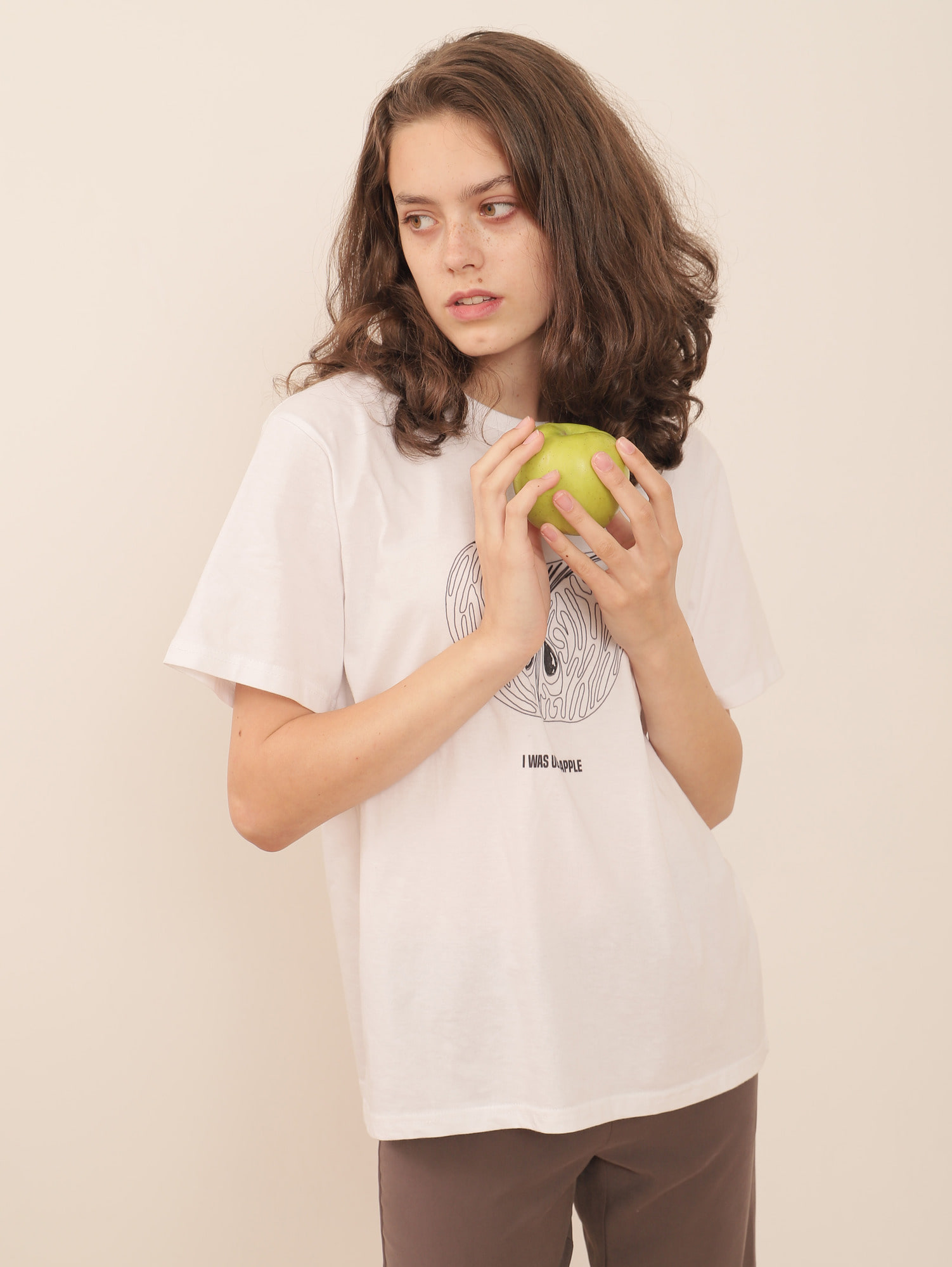 UGLY APPLE TEE